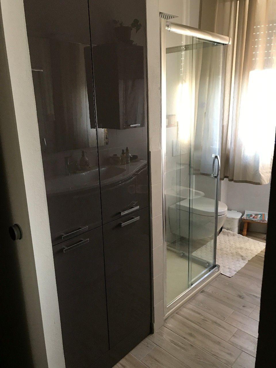 Mobile arredo bagno con incasso lavatrice vivere il for Arredo bagno lavatrice