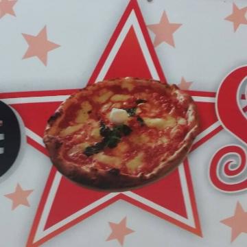 Redstar Pizzeria logo