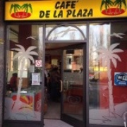 CAFE' DE LA PLAZA logo